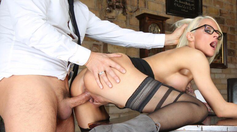 jebanje seksi sekretarice